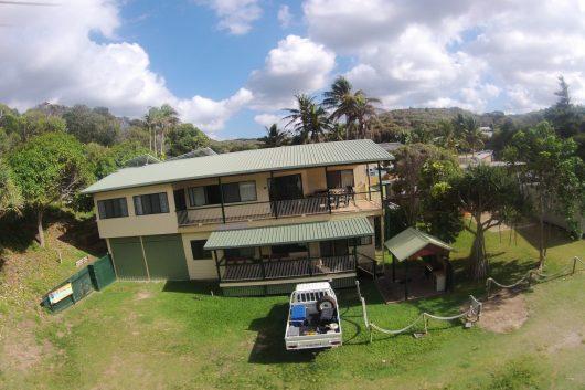 fraser island accommodation exterior design